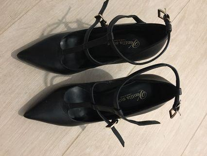 Venilla suite high heel shoes