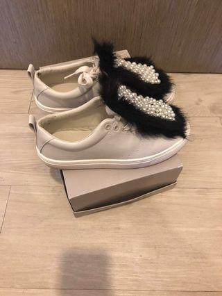 (REDUCED!!!) Zara Plimsolls with Faux Pearls Fur Tongue UK4