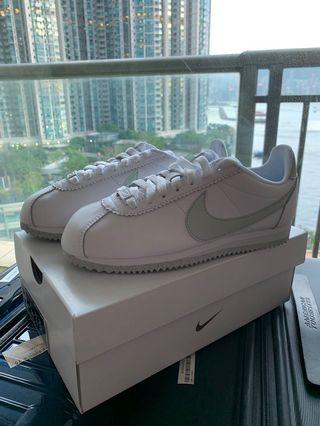 Nike classic flyleather 100% new 蘋果綠色 #MTRmk