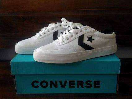 Converse Courtlandt Ox White