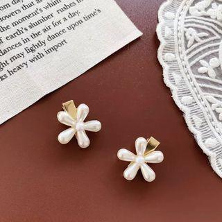 🚚 Vintage flower hair clip