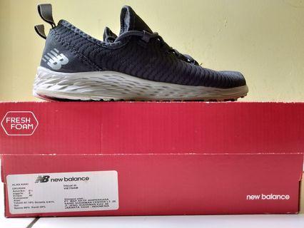Sepatu running new balance ori 42