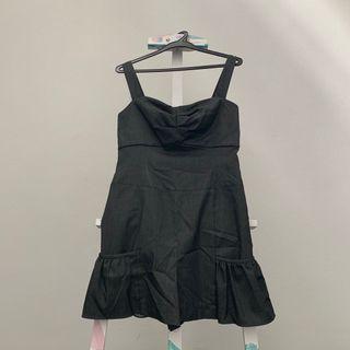 🚚 Ice Tan Black Ruffle Dress