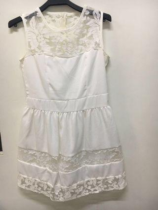 🚚 無袖白色小洋裝