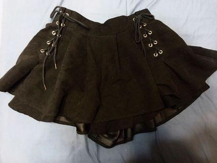 [原宿購入]黑色裙 百摺裙 日系風 顯瘦 短裙 黑色裙褲 綁帶 日本