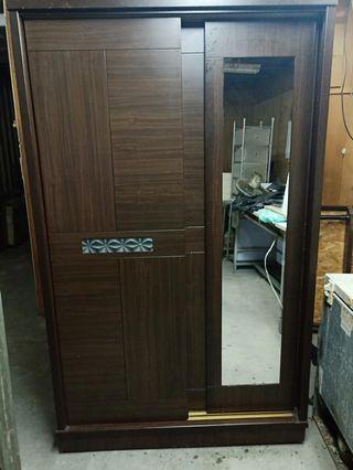8成新咖啡色立鏡木衣櫃