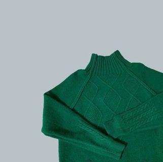 🚚 green vintage knitted sweater
