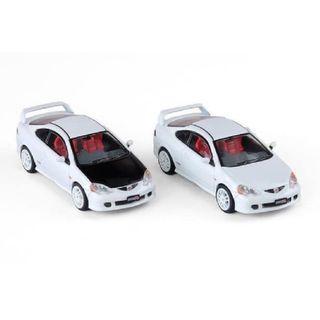 Inno64 1/64 Honda Integra Type R-DC5 - White (w/ Extra Rims & Carbon Bonnet Decal)
