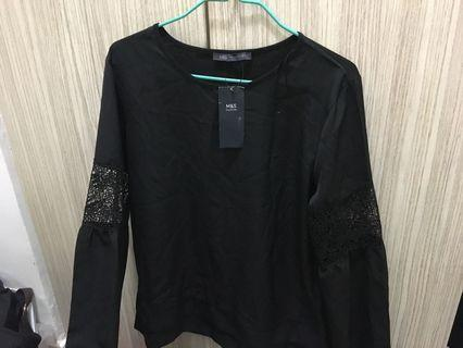 (BRAND NEW) Marks and Spencer's size 10 black top