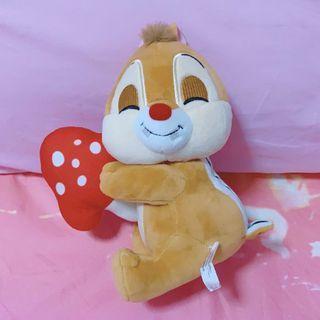 🚚 🆕 Dale holding mushroom plush toy
