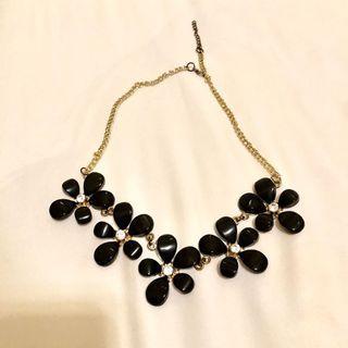 Black Flowery Necklace
