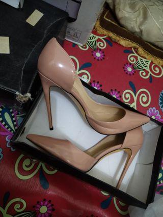 Nude heels new