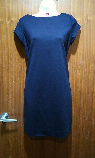 🚚 Uniqlo黑色彈性舒適氣質洋裝