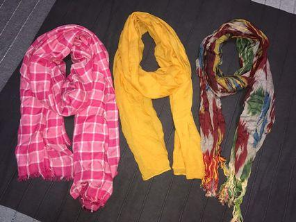 🚚 Colourful scarves