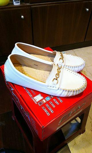 🚚 24.5氣質白色淑女鞋