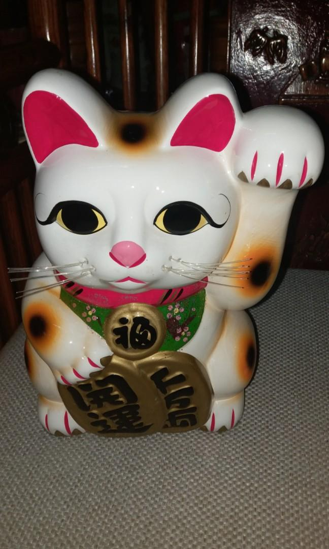 日本招財貓錢箱一對$430,瓷制,直徑20x16x21cm