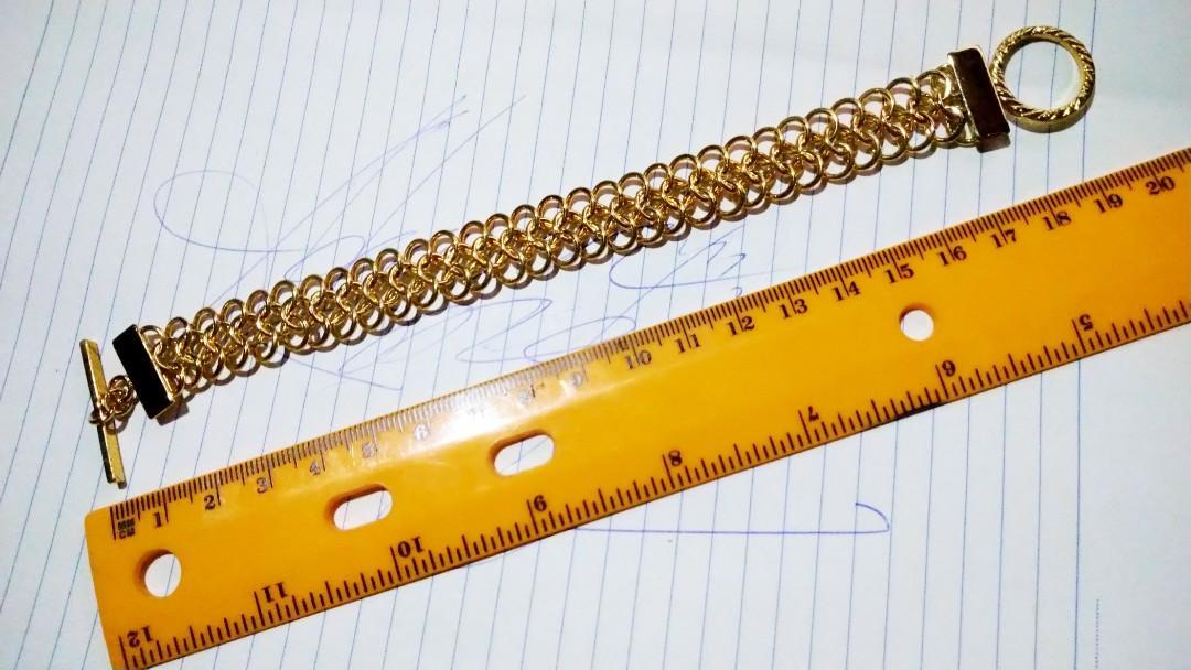80年代中期之物品, 輕金屬手鏈 190mm長度,男女都可以配戴,曾經是電影道具,合懷舊收藏迷收藏。