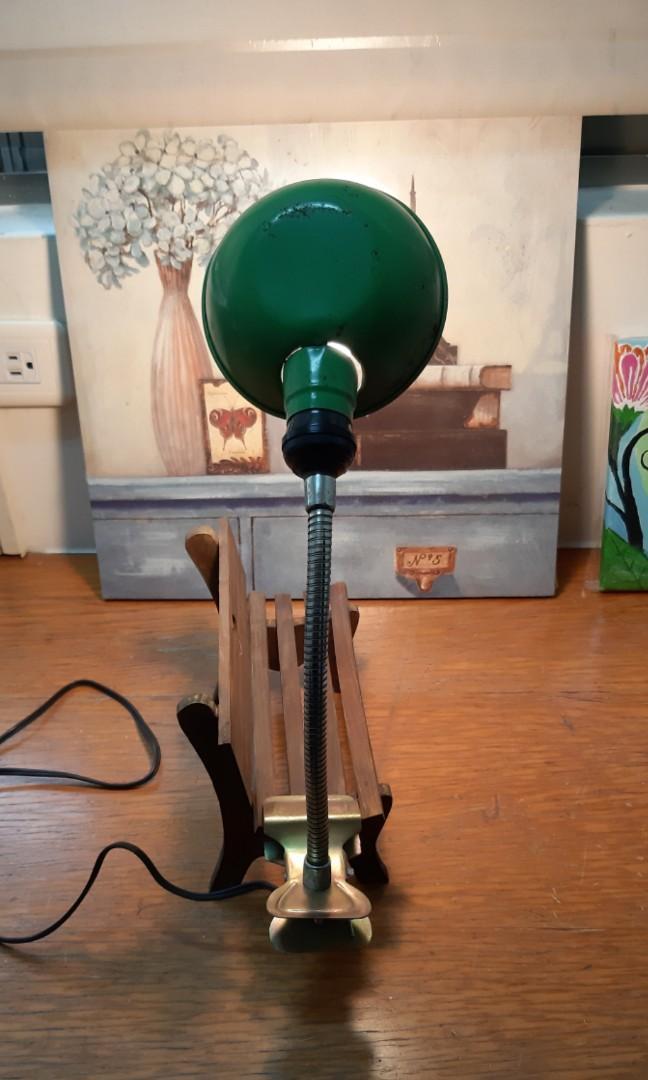早期綠鐵殼夾燈