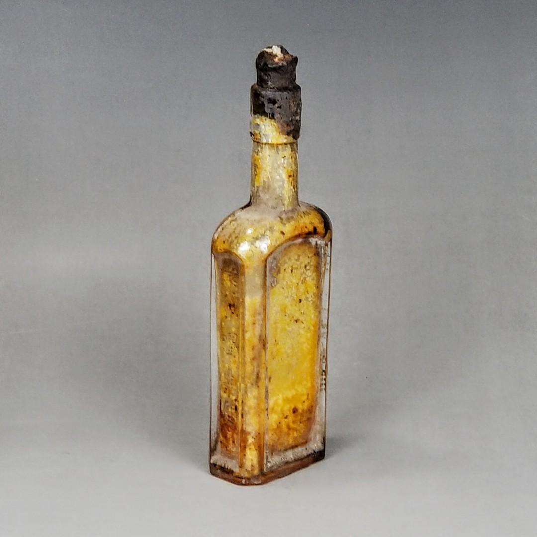 香港懷舊早期雙妹嚜生髮油原庄瓶
