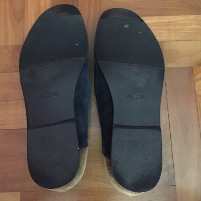 Authentic Aldo Nehlsen Navy and Brown Suede Dress Slippers. Size EU46, UK11, US12.