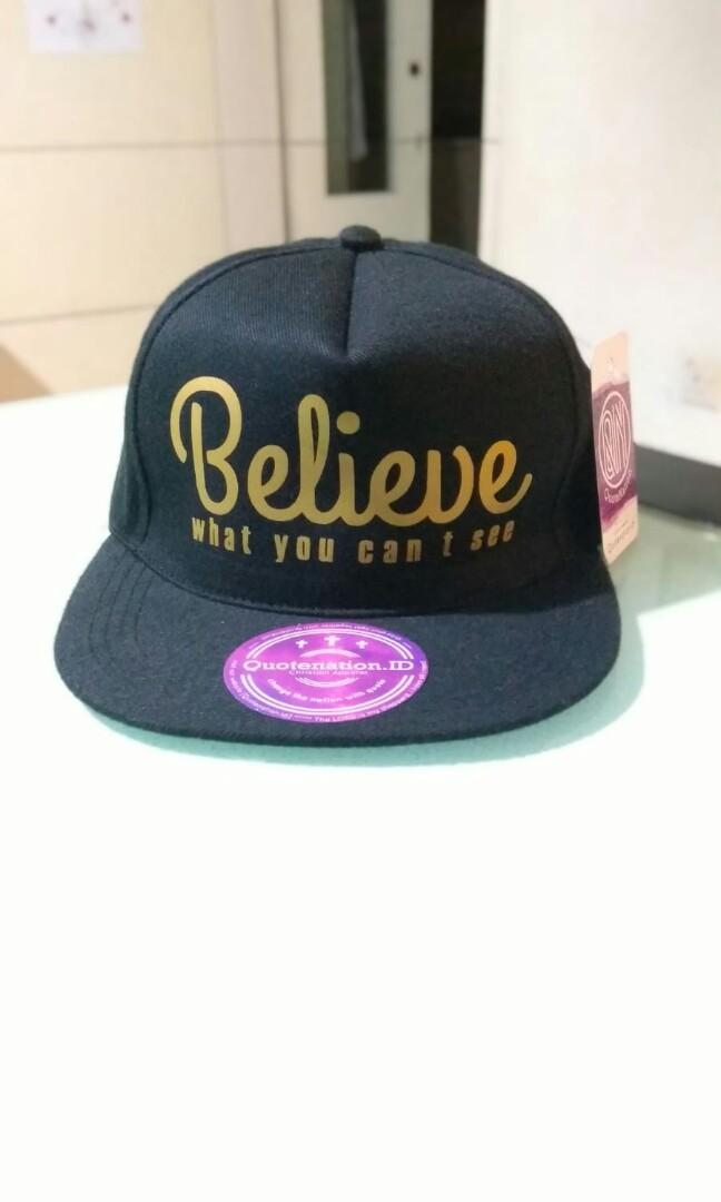 BNWT:  Snapback Black Unisex (Price incl NM)