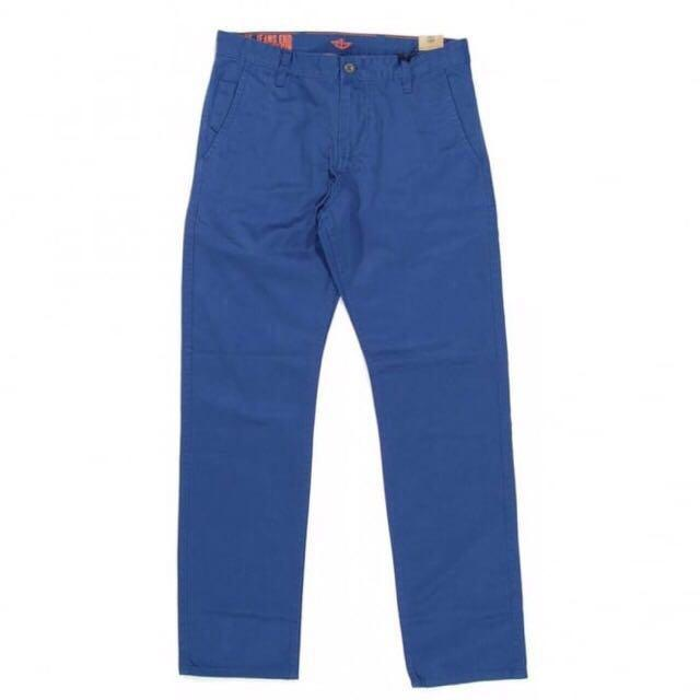 Brand New Dockers Blue Chinos. Waist 30 Length 32.