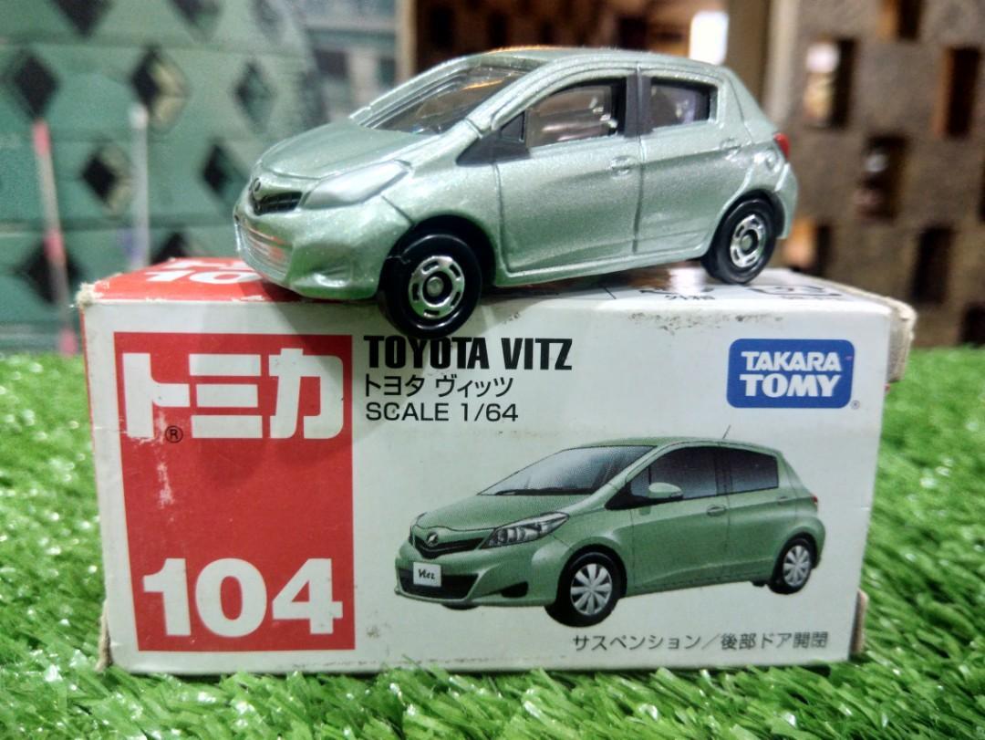 Diecast Tomica Toyota Vitz