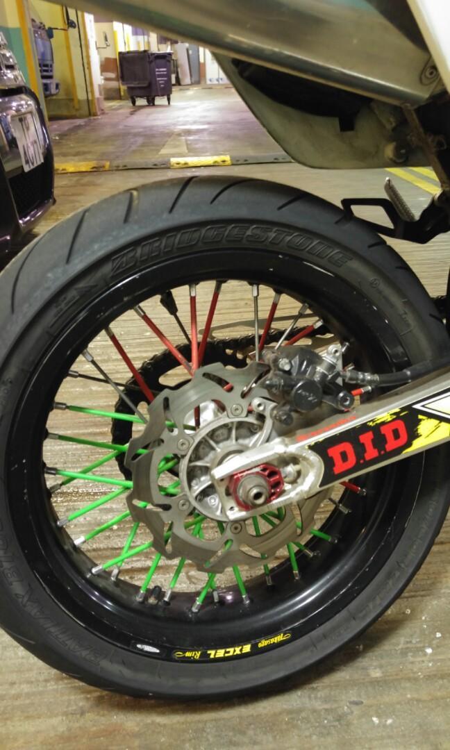 DRZ400-SM 17吋街胎一對