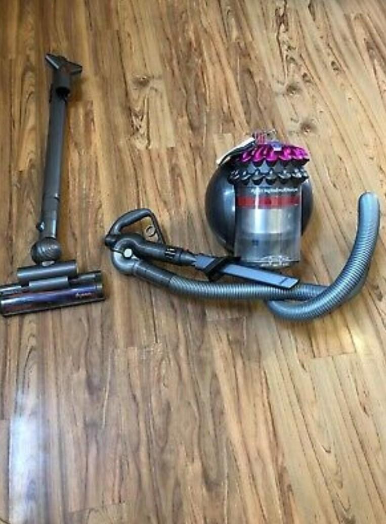 Dyson Vacuum Cleaner #newbieApr19