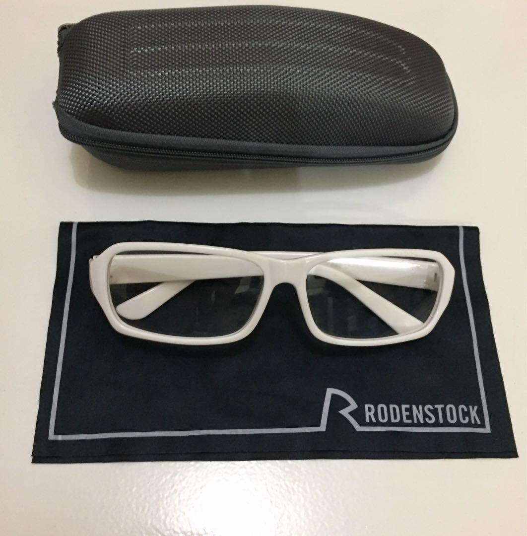 Frame Kacamata Putih