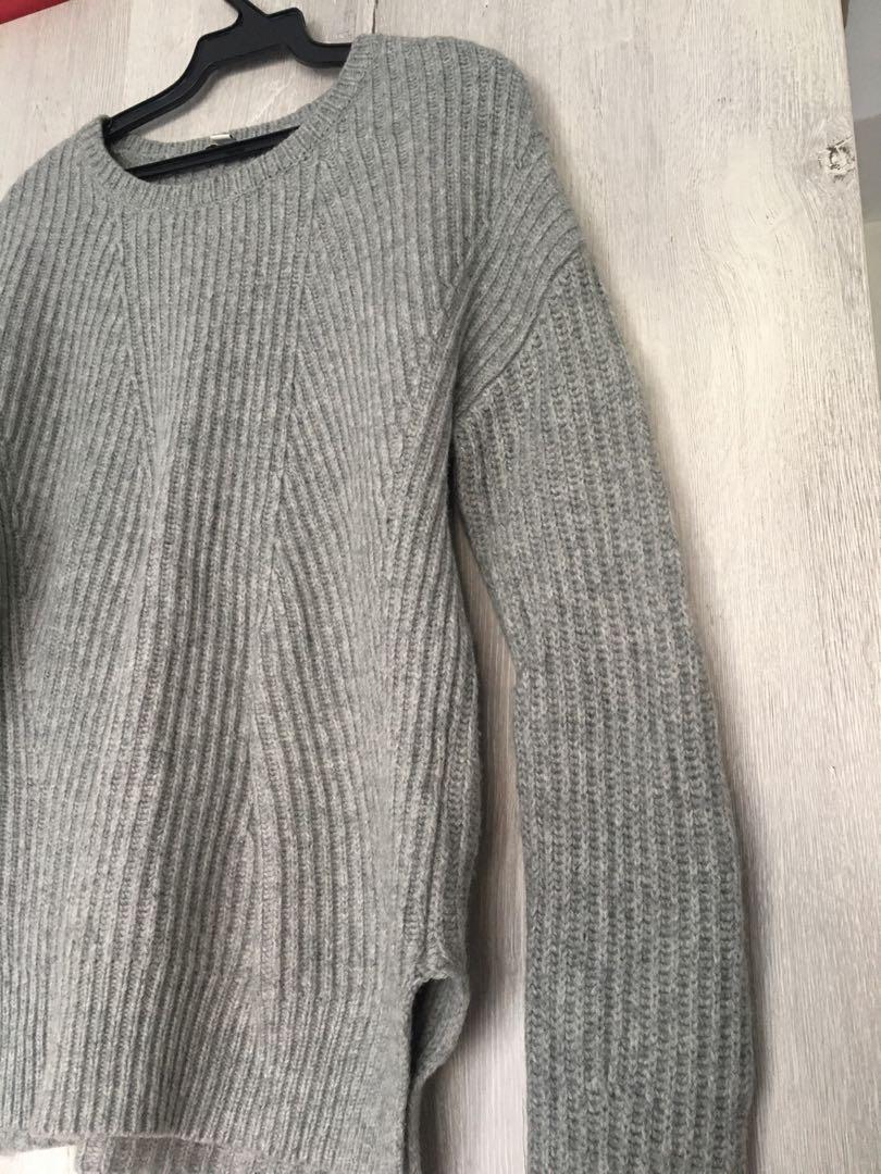 GAP灰毛衣