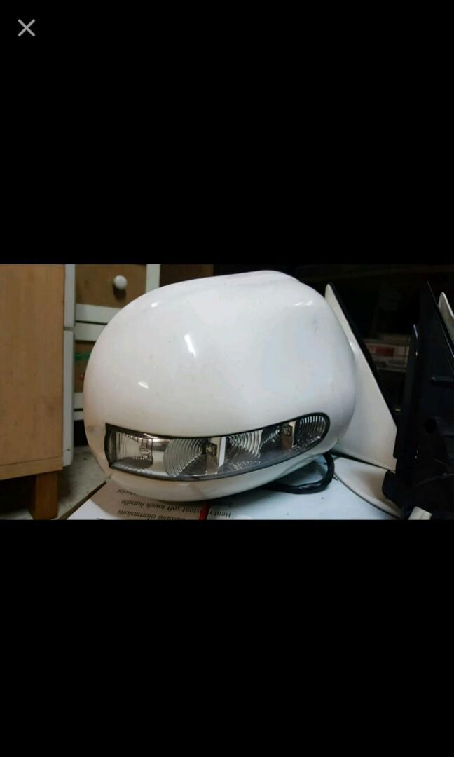 舊款Hiace電摺鏡連指揮燈,有線有掣可以用的