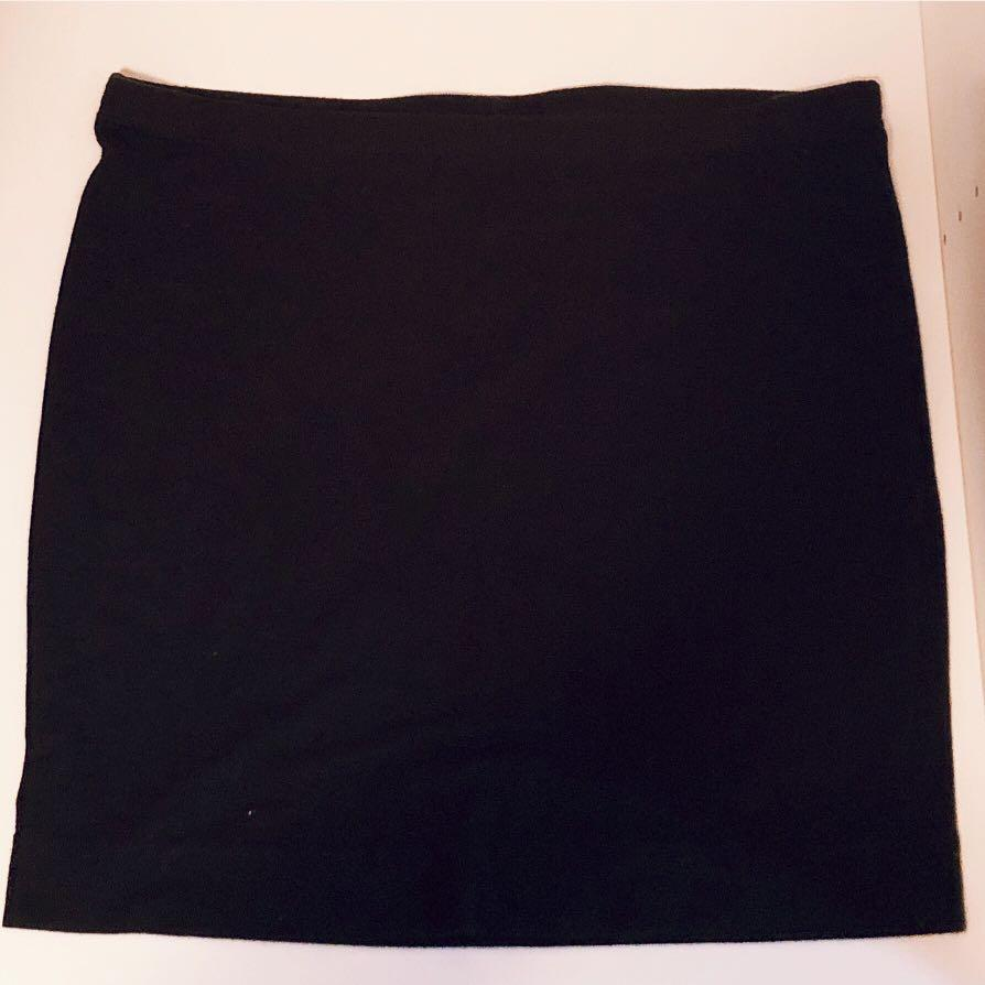 H&M 黑色貼身短裙