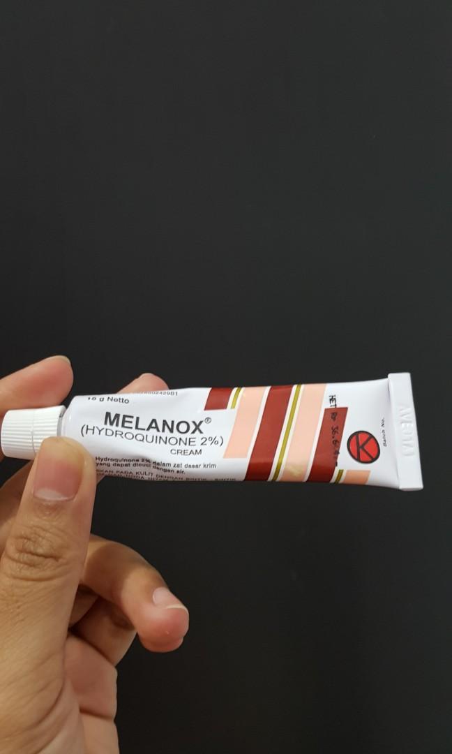 Melanox Penghilang flek Bekas Jerawat