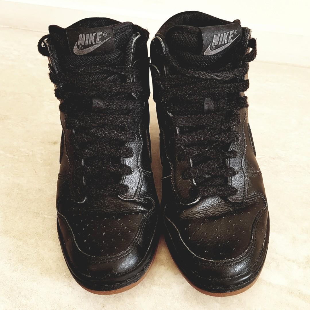 Nike Black Dunk Sky Hi Essential wedge sneakers - size 6
