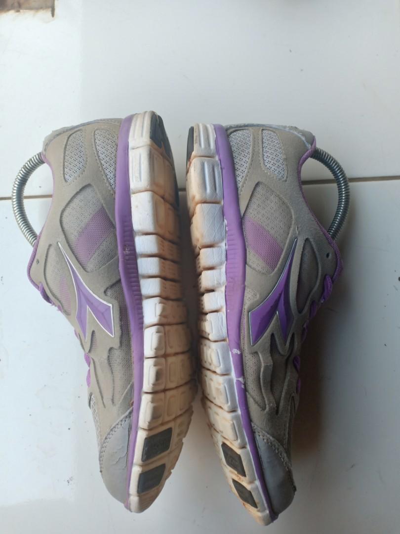 Sepatu Diadora size 39