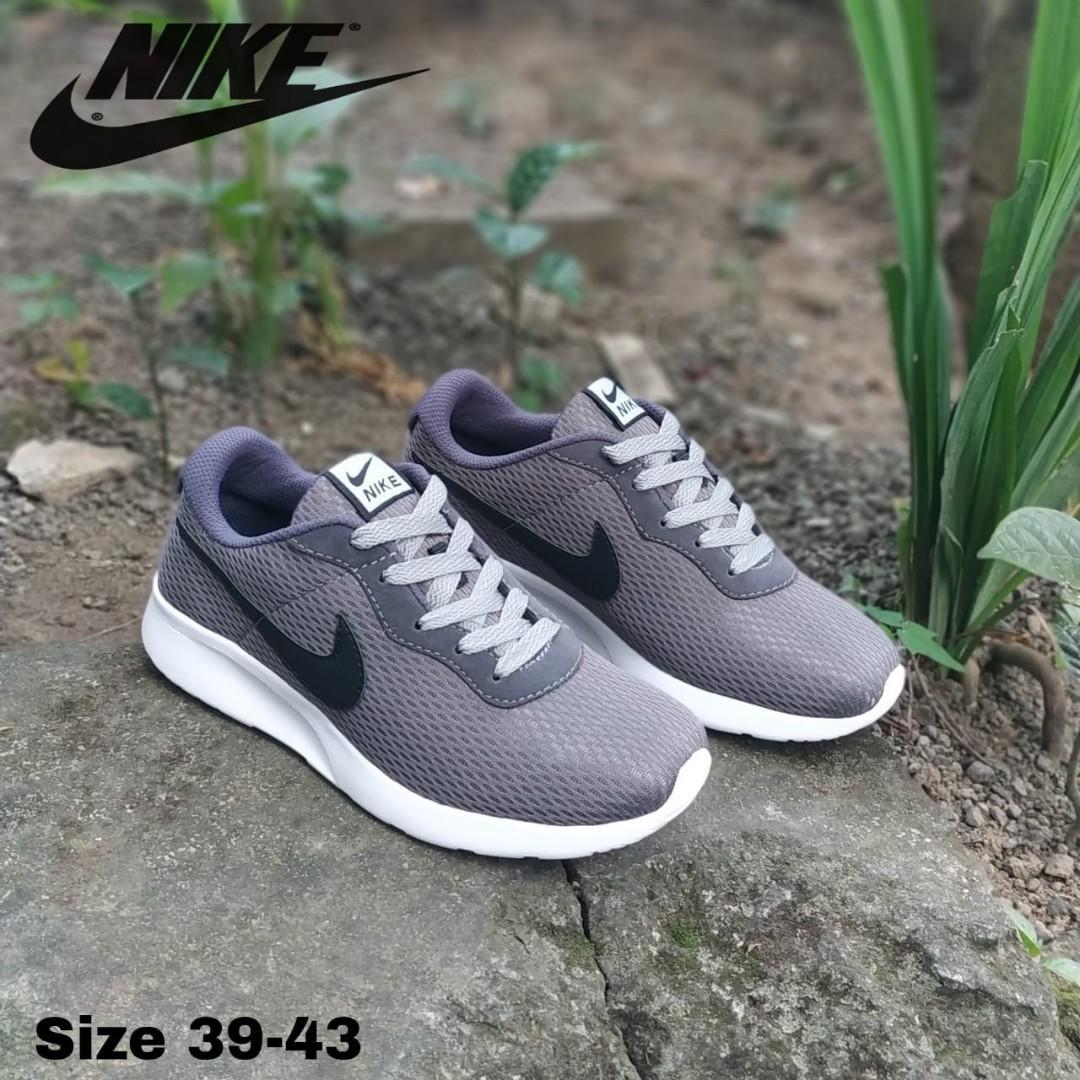 Sepatu Nike Grey