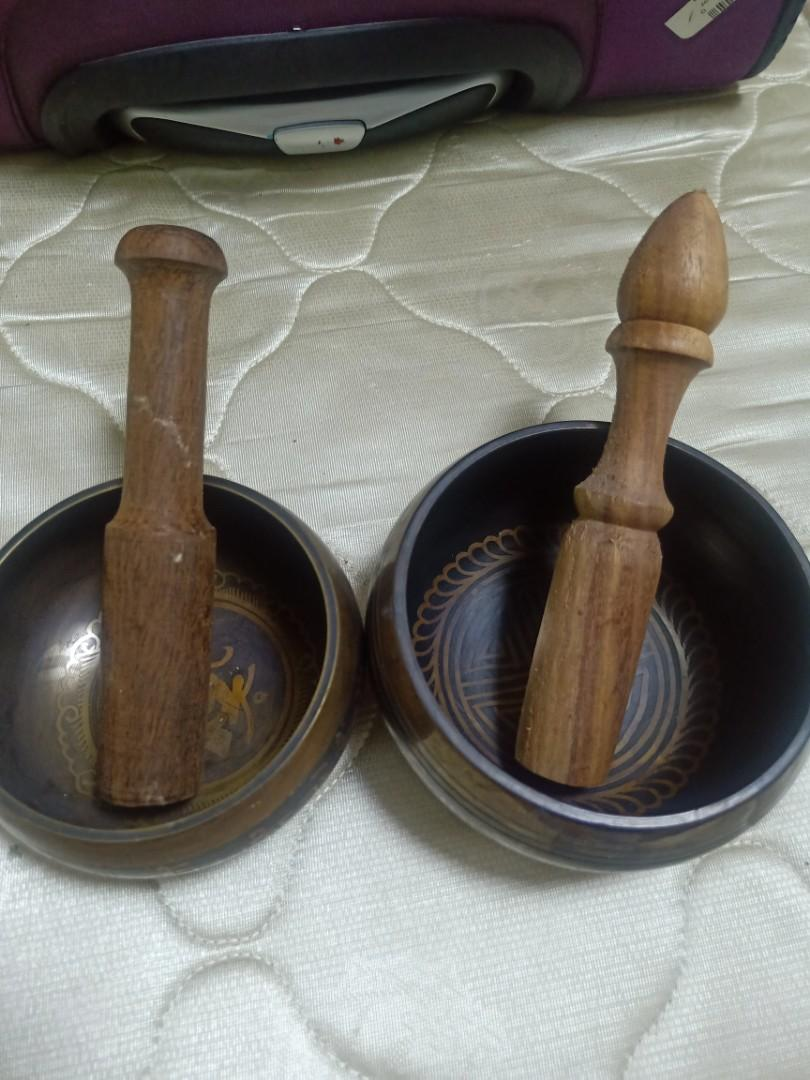 Singing bowls made by 5 metals many blessings Tibetan words good sound selling whole sell price
