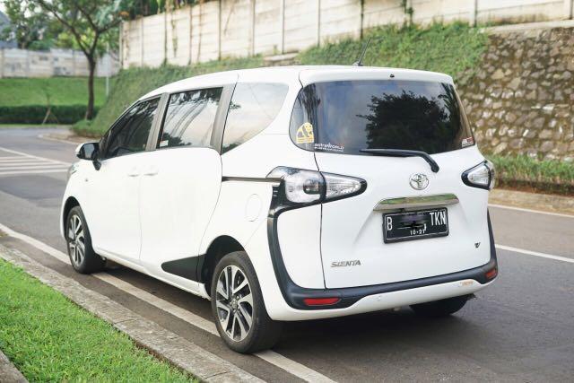 Toyota Sienta V 2016 A/T Putih Nopol Ganjil