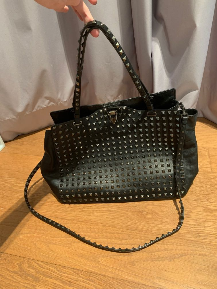 df25d6eefe Valentino Rockstud Bag (limited edition), Luxury, Bags & Wallets ...