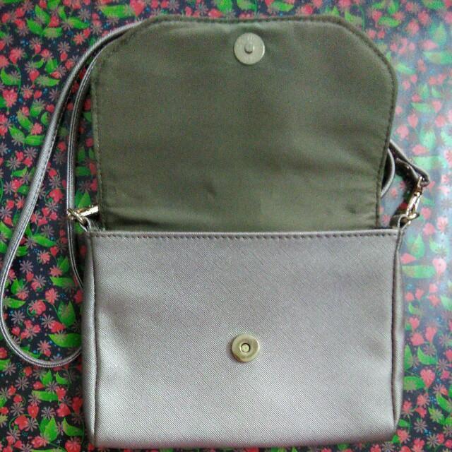 Voir Sling Bag #GayaRaya