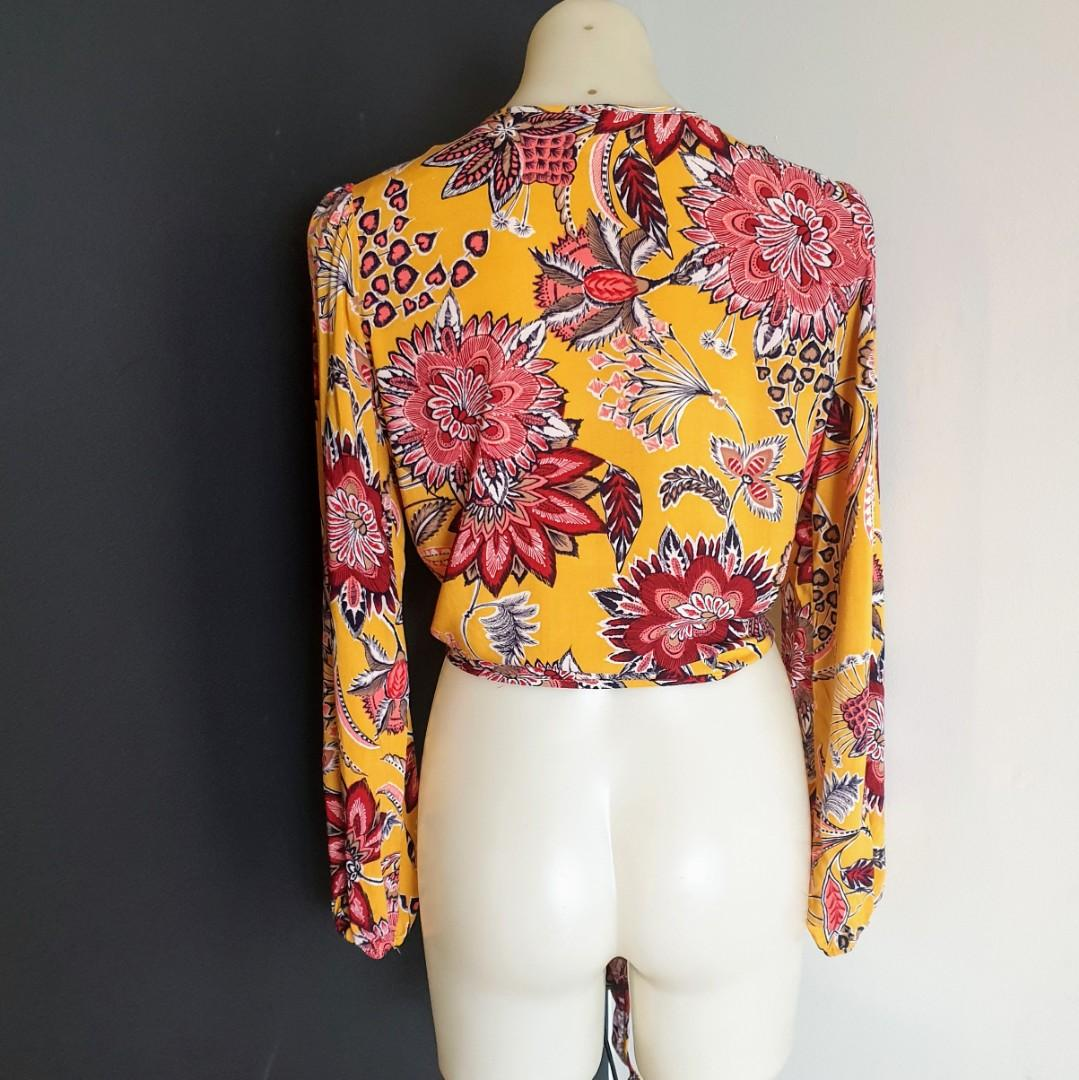 Women's size S 'LABEL OF LOVE' Gorgeous bohemian floral print long  sleeve top- AS NEW