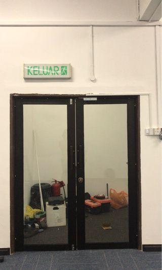 Door Glass Aluminium Set Panel Handle and Door Closer Installation