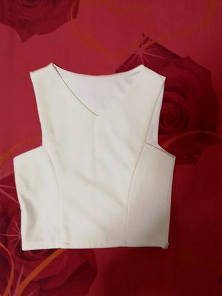 🚚 White Crop Top