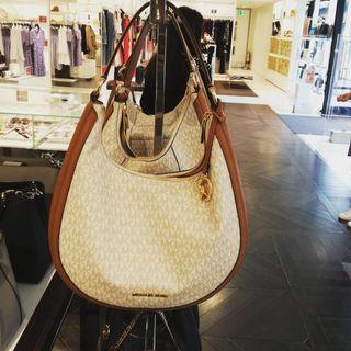 4096013a57c6 Original Michael Kors Bag (from UK)