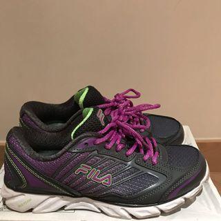 Running Shoes (FILA)
