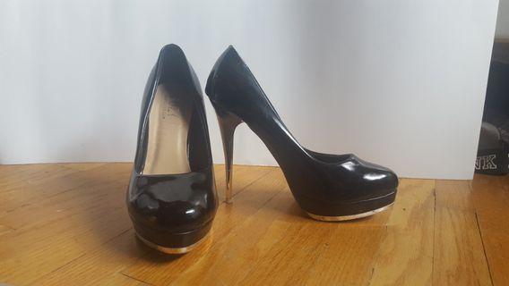 Black Suzy heels