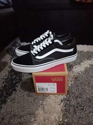 Sepatu Vans Oldskool Black White original