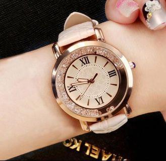 Rhinestone Leather Bracelet Wristwatch