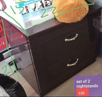 Set of 2 nightstands